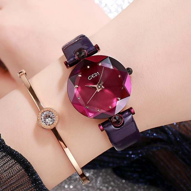 魔法少女に変身出来そうな腕時計が可愛いと話題に!